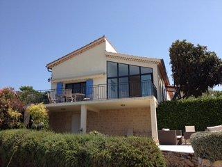 Villa met uniek uitzicht op loopafstand van het dorpscentrum