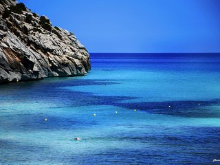 Bonita casa a cien metros de la playa con piscina ,jardin ,solarium ,preciosa .., Cala Sant Vicenc