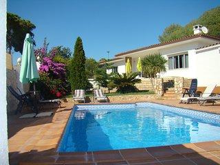 Casa con piscina privada y mucho encanto