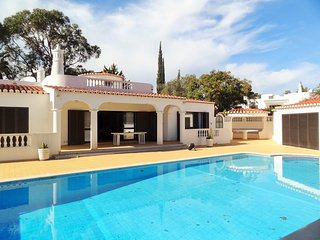 4 bedroom villa on Vale do Milho
