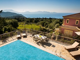 Villa Alkyoni, luxurious villa with private pool & stunning views near Fiscardo