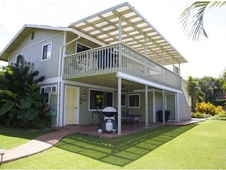 Plumeria Dream - near beach, shops! Good for 10-12 guests!