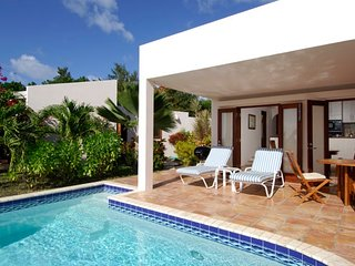 Jasmine Villa - Ideal for Couples and Families, Beautiful Pool and Beach