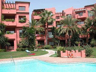 Alicate Playa Marbella 2 bedroom luxury beachside apartment