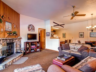 2 BD/2 BA Condo, walk up,mountain retreat for 6