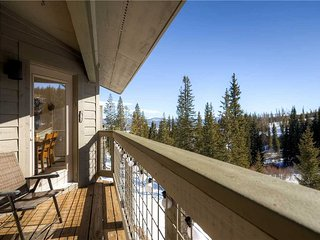3 BR/ 3 BA, Dream Giver, secluded mountain retreat for 8+, Silverthorne