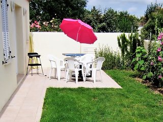 ESCALE BONSEJOUR calme, simple confortable 3 pieces terrasse jardin parking clos