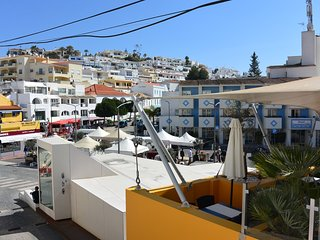 Apartment in centre of Carvoeiro just steps to the beach
