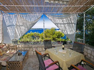 Golden Way Villa - Beachside Hvar