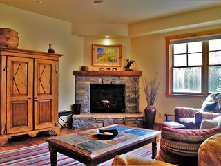3 Bedroom Townhome at Purgatory/DMR Sleeps 9, Durango