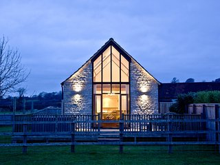 Lottisham Barn located in Glastonbury, Somerset