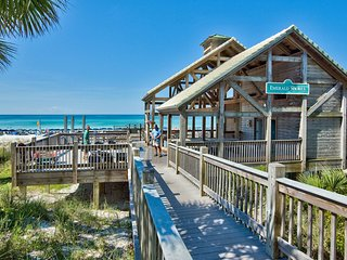 Magnolia Manor - Destin Beach Home in Emerald Shores