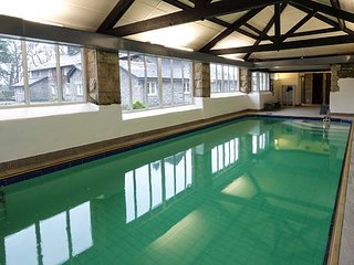 HOME FARMHOUSE, woodburner, shared grounds with heated indoor pool, fishing, pla