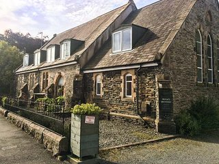 2 THE CHAPEL, character cottage, garden, WiFi, in Staveley, Ref 942262
