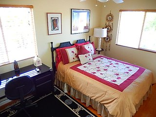 Upcountry haven close to all-Wenona Room, Makawao