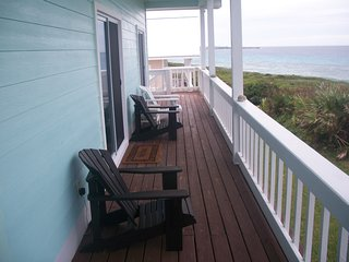 Cozy Oceanfront Villa#1, Come and Relax