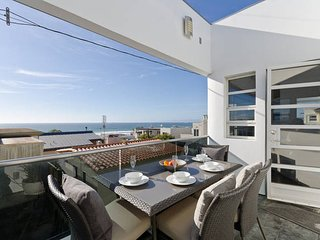 Ultra Luxurious 3BR - Amazing Location and Views - a Block from Manhattan Beach