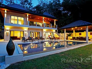 Spacious Hillside Villa near Nai Harn Beach