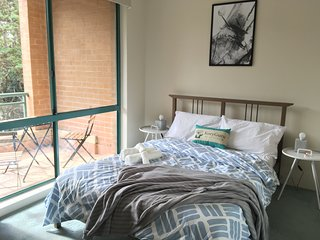 Cosy 1 Bed APT PLUS FREE Car Space | Chatswood