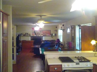 Charleston/Folly Beach within Minutes on James Island SC!!! Big room,house, more