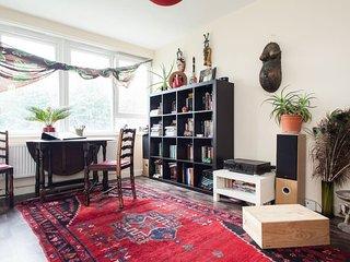 Bright bohemian 1bedroom flat in Shoreditch, East London