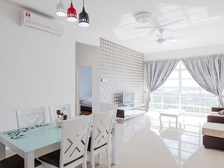 12stay.my Nusa Heights Apartment (3Bedroom) A1402