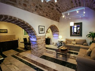 New listing! Romantic medieval castle by the sea, Monemvasia