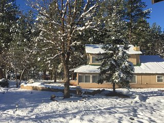 Peaceful Cabin Getaway.  Sleeps 14+, Payson