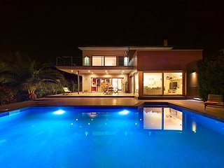 6 bedroom Villa in Sta Cristina D Aro, Costa Brava, Spain : ref 2215557, Santa Cristina d'Aro