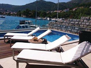3 bedroom Villa in Dubrovnik-Mokosica, Dubrovnik Riviera, Croatia : ref 2276805