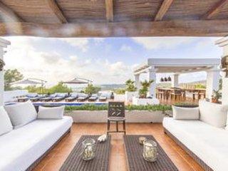 Villa mit 4 Schlafzimmer, Swimmingpool, Garten und wunderbarem Meerblick, Cala Tarida