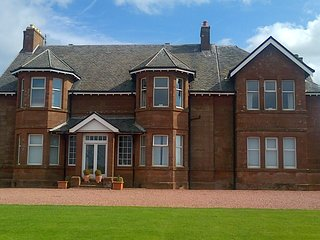 Mansion House Apartment - Sea Views - Royal Troon & Old Prestwick Golf Courses