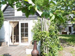 Romantic cottage near the sea, Schoorl