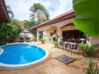 Villa Kaipo | 2 Bed Cozy Summer Pool Home in West Phuket
