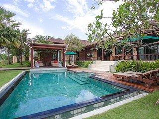 Hua Hin Holiday Villa 8013