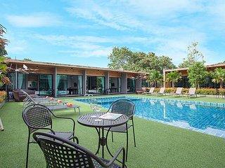 Pattaya Holiday Villa 8046