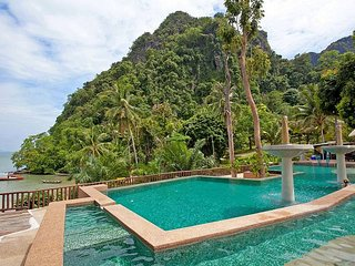 Krabi Beachfront Resort Family Suite No.401 | 2 Bed Villa in Krabi, Railay Beach