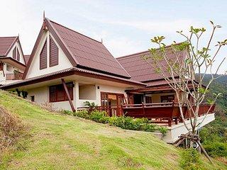 Baan Chompuu | Modern 2 Bed Sea View House on Koh Lanta West Coast, Ko Ngai