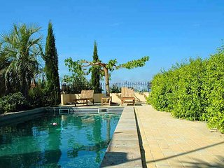 Magalas, Holiday Lettings France with private pool sleeps 8