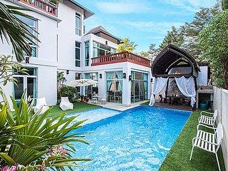 Jomtien Waree 6 | 7 Bed Modern Pool Villa in Na Jomtien South Pattaya, Jomtien Beach