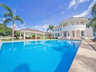 Hua Hin Manor Palm Hills | 6 Bed Pool Mansion with Golf Course Setting
