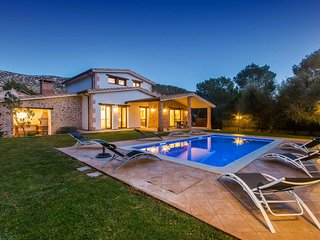 Brand New Villa Private Pool & Large Garden, Sa Pobla