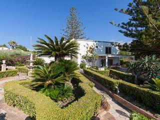 Komfortable Wohnung (Blu) in eines eleganten Hauses 50 Meter vom Meer entfernt.