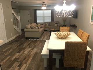 Welcome to Southern C's.....an HGTV Featured, Family Friendly 2/2.5 Townhome!!, Destin