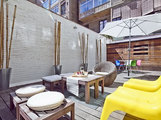 **Sunny Stylish Terrace next to Paseo de Gracia**, Barcelona