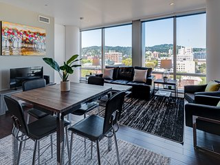 Captivating 9th Avenue Apartment by Stay Alfred, Portland