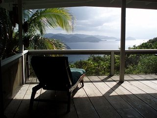 Romantic Getaway, Beautiful Pool, Breathtaking Views, Minutes to the Beach, Carrot Bay