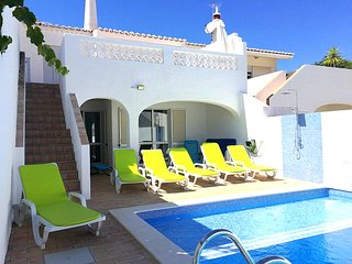 """""""Casa Maresol"""" has 3 bedrooms, private pool and the beach is a 3 minute walk !, Luz"""