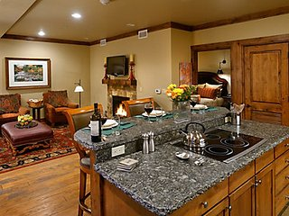 Aspen, CO 1 Bedroom 1 Bath, sleeps 4