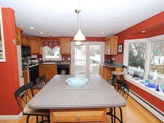 Large Kitchen w/ Island